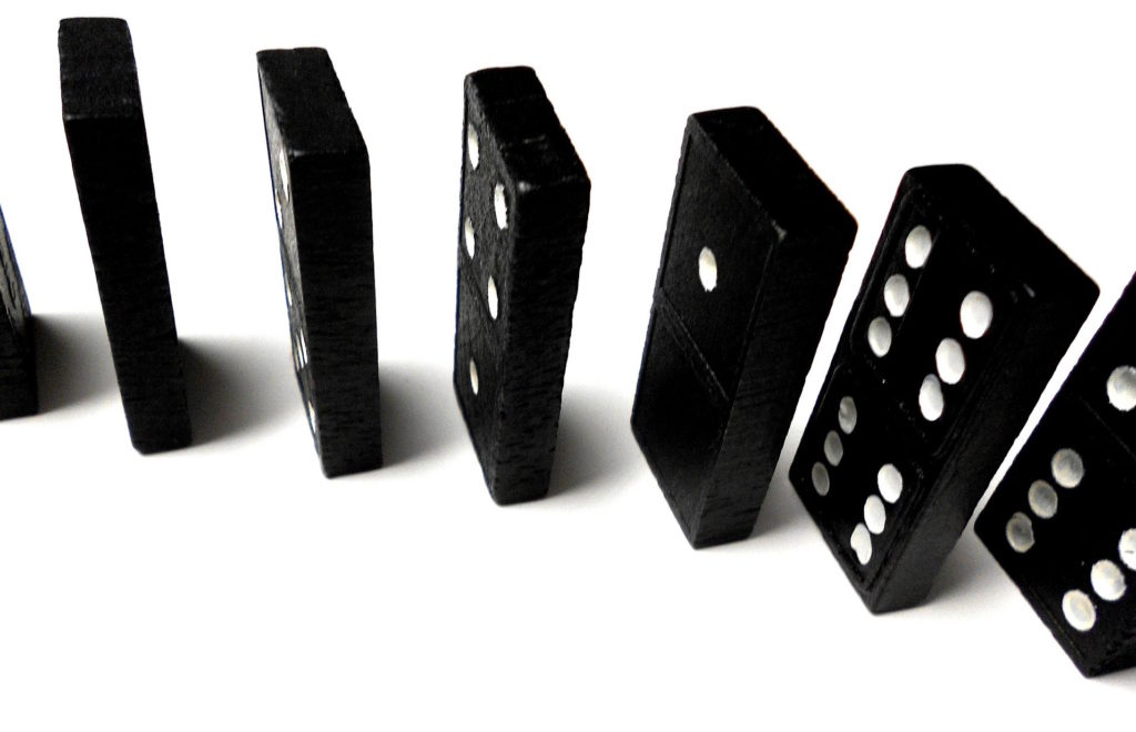 dominoes-21252_1920